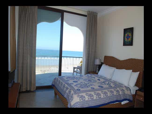 Dharma Beach-Montañita
