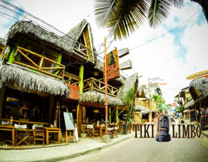 TIKI LIMBO * * The first Hostel-Restaurant made for travelers Montañita !!