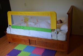 Barrera cama seguridad niño