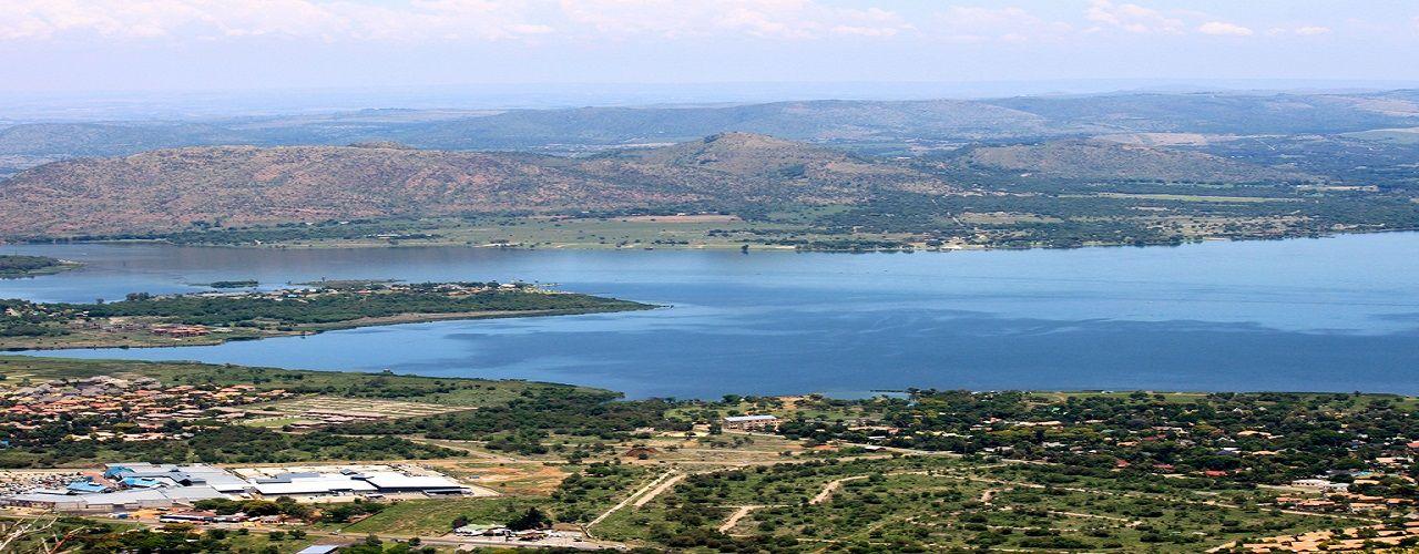 Engel & Völkers - South Africa - Hartbeespoort DamHartbeespoort Dam - http://www.ucarecdn.com/926a862a-55bf-4f58-b1b8-e8dfc1b8499a/-/crop/1280x500/0,0/