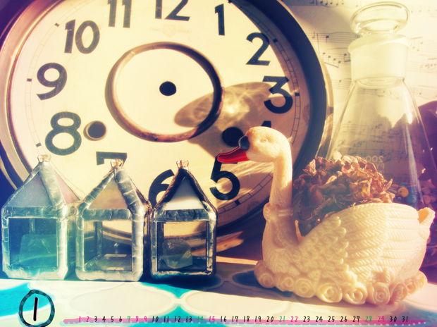 1月の壁紙カレンダー ~進まない時を泳ぐ白鳥と~