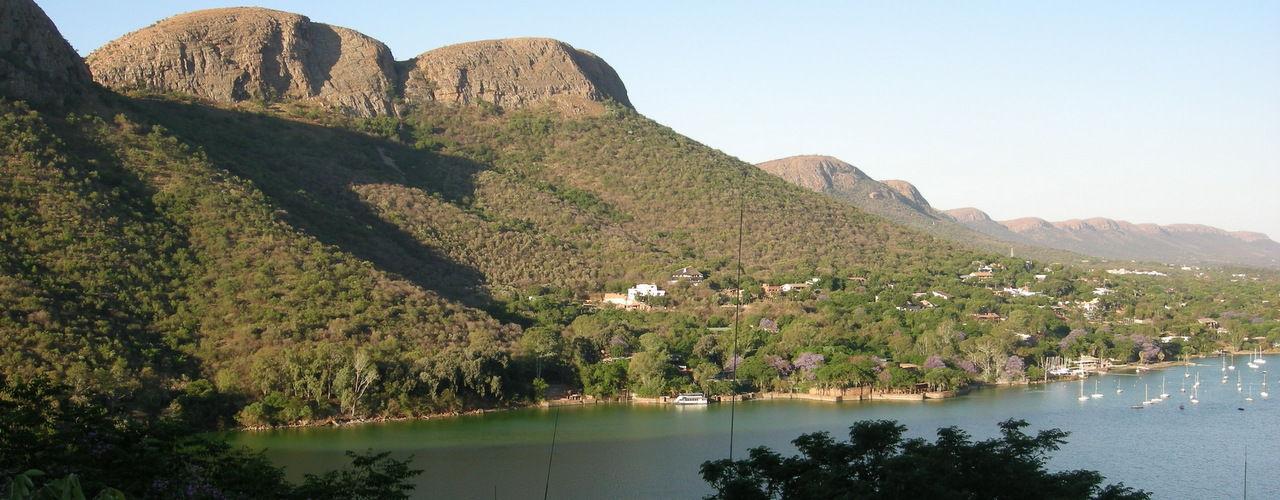 Engel & Völkers - South Africa - Hartbeespoort DamHartbeespoort Dam - http://www.ucarecdn.com/afe1dea0-81ec-48e6-aff3-7465ca128e1e/-/crop/1280x500/0,0/