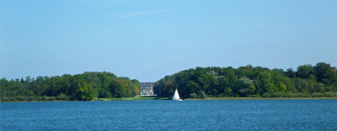 Schloss Herrenchiemsee auf der Herreninsel im Chiemsee