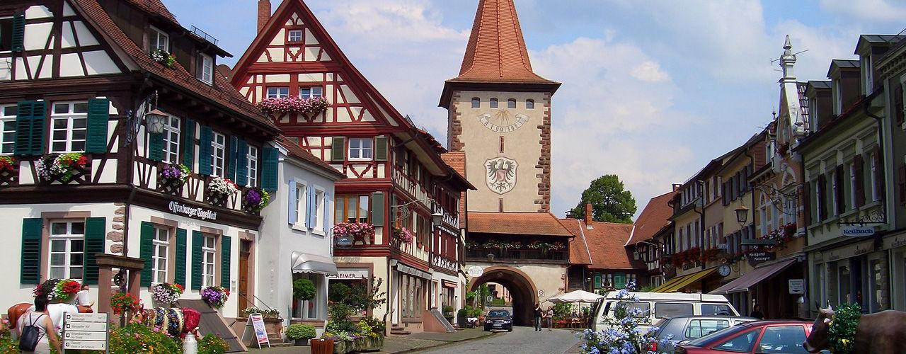 Engel & Völkers - Deutschland - OffenburgOrtenau - http://www.ucarecdn.com/ba187b5c-5a80-45b2-a4f5-f997b23a98f7/-/crop/1280x500/0,0/