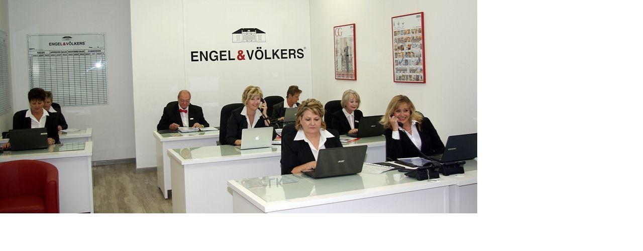 Engel & Völkers - South Africa - Hartbeespoort DamHartbeespoort Dam - http://www.ucarecdn.com/cbc8672e-9e41-4105-9b8e-da4d3b2553c9/-/crop/1280x500/0,0/