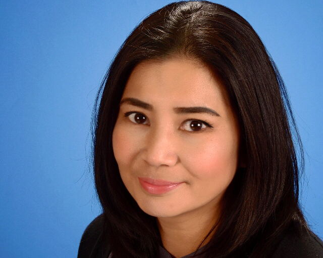 Donna de Guzman, Director of Admissions