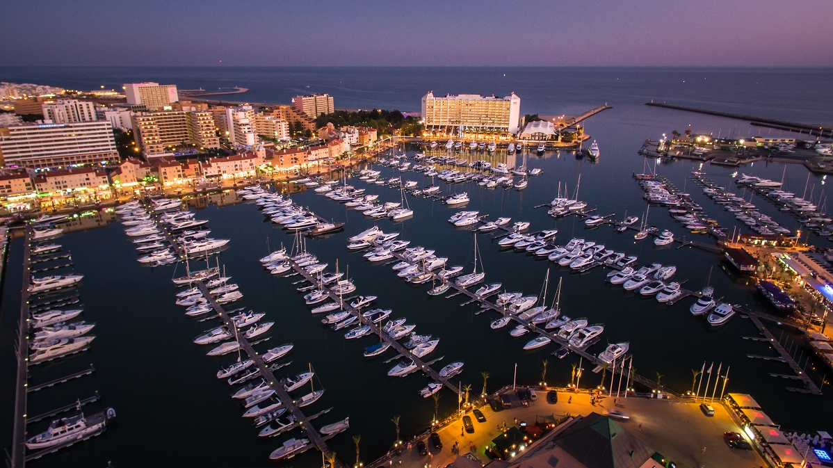 Vilamoura / Algarve - Vilamoura_-_marina_at_night[1].jpg