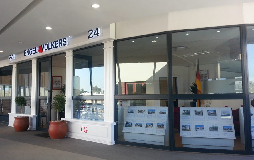 Real estate in Centurion - Engel & Völkers Waterkloof Office 204, The Club Retail Centre, Hazelwood Tel: +27(0)12 030 0301 Waterkloof@engelvoelkers.com  Suburbs Covered:  Monument Park | Sterrewag Erasmusrand | Waterkloof Waterkloof Ridge | Waterkloof Park Waterkloof Heights | Waterkloof Glen Arcadia | Hatfield | Brooklyn  Lynnwood | Groenkloof | Menlo Park Erasmuskloof | Constantia Park Alphen Park | Ashlea Gardens Hazelwood | Maroelana | Newlands