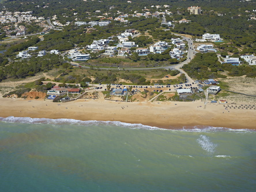 Real estate in Almancil - Plot next to the beach