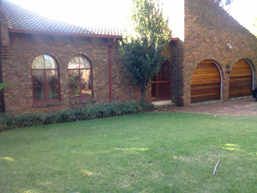 Real estate in Hartbeespoort Dam - 85051.jpg