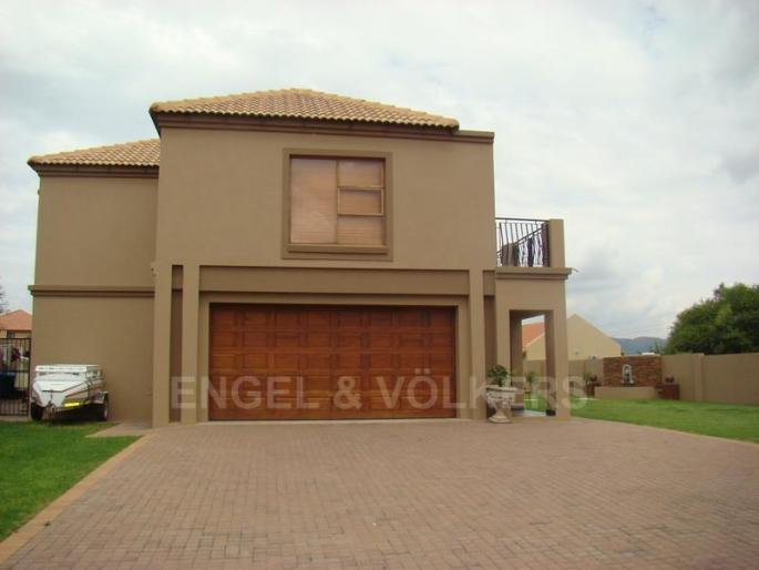 Real estate in Hartbeespoort Dam - 86010.jpg