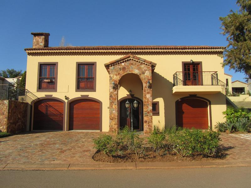 Real estate in Hartbeespoort Dam - 81261.jpg