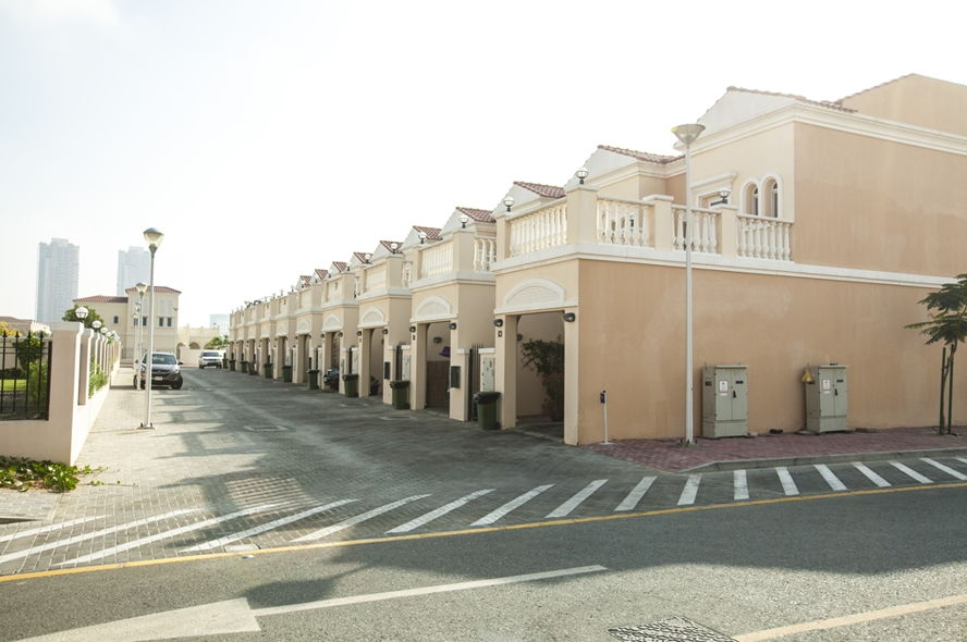 Dubai - Jumeirah Village Triangle Townhouses