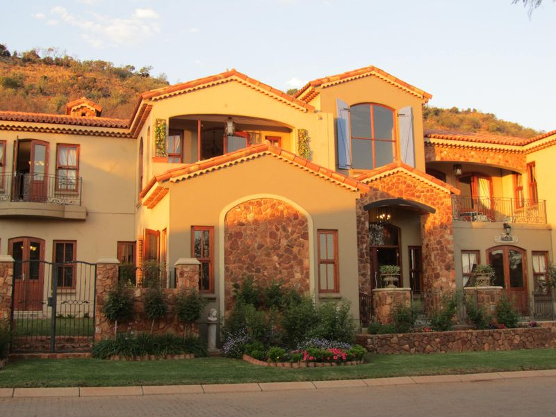 Real estate in Hartbeespoort Dam - ENV91936.jpg
