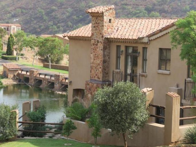 Real estate in Hartbeespoort Dam - 76346.jpg