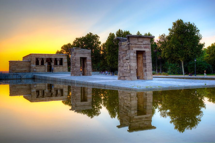 Madrid - Templo_de_Debod_in_Madrid.jpg