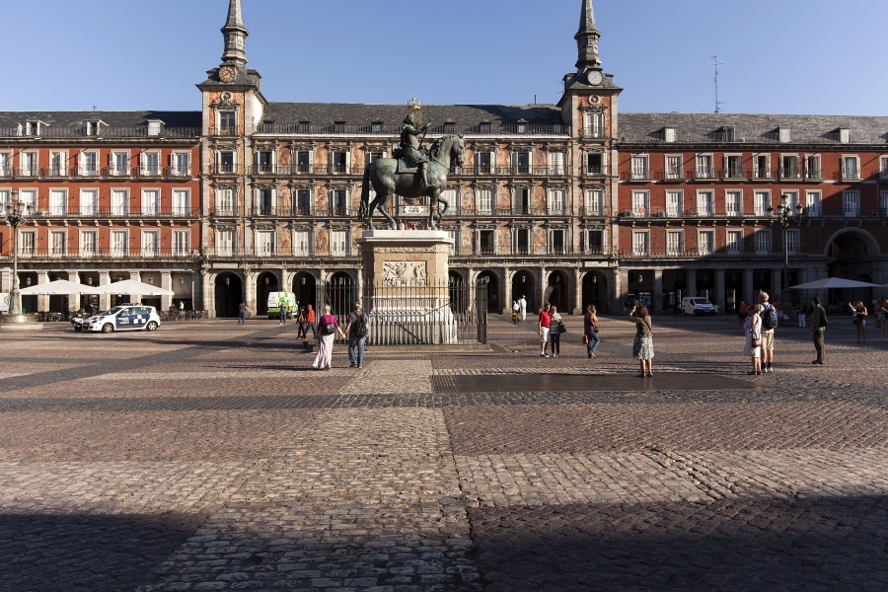 Wohnung In Madrid häuser und wohnungen in madrid zu verkaufen und zu vermieten