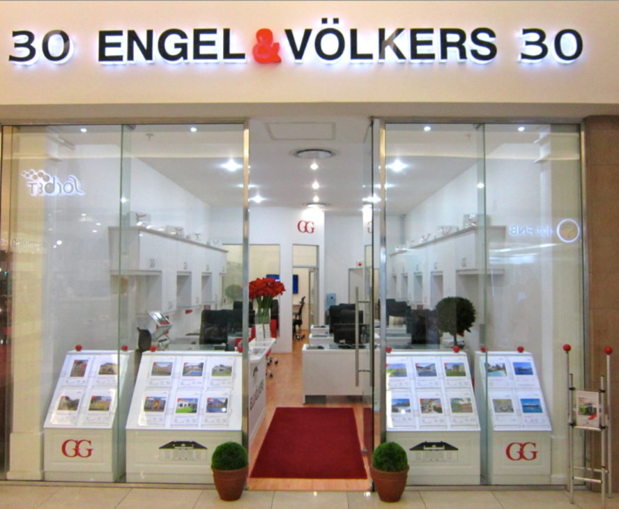 Cape Town - Engel & Völkers Sandton | Bryanston Shop L30, Nicolway Shopping, Shop L30, Nicolway Shopping, Tel: +27(0)11 706 6570 Bryanston@engelvoelkers.com Suburbs Covered: Bryanston | Bryanston East Bryanston West | Petervale Mill Hill | Kleve Hill Park O'Summit | Kensington B Riverclub | Epsom Downs Vandia Grove | Morningside Sandton
