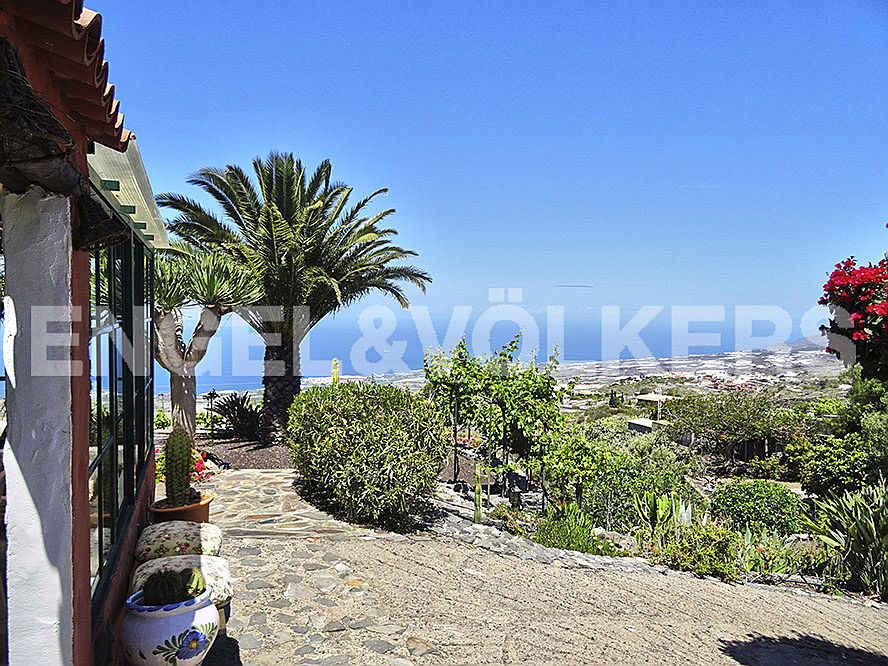 Costa Adeje - Property for sale in Tenerife: Finca in Guia de Isora, Tenerife South, Engel & Völkers Costa Adeje
