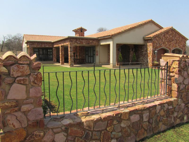 Real estate in Hartbeespoort Dam - ENV91128.jpg