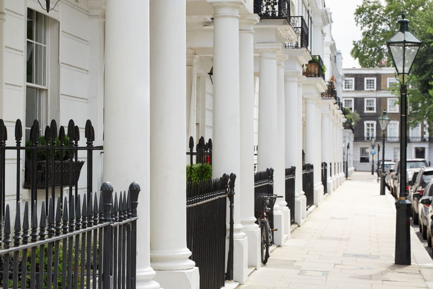 Real estate in London - Typical street in Chelsea