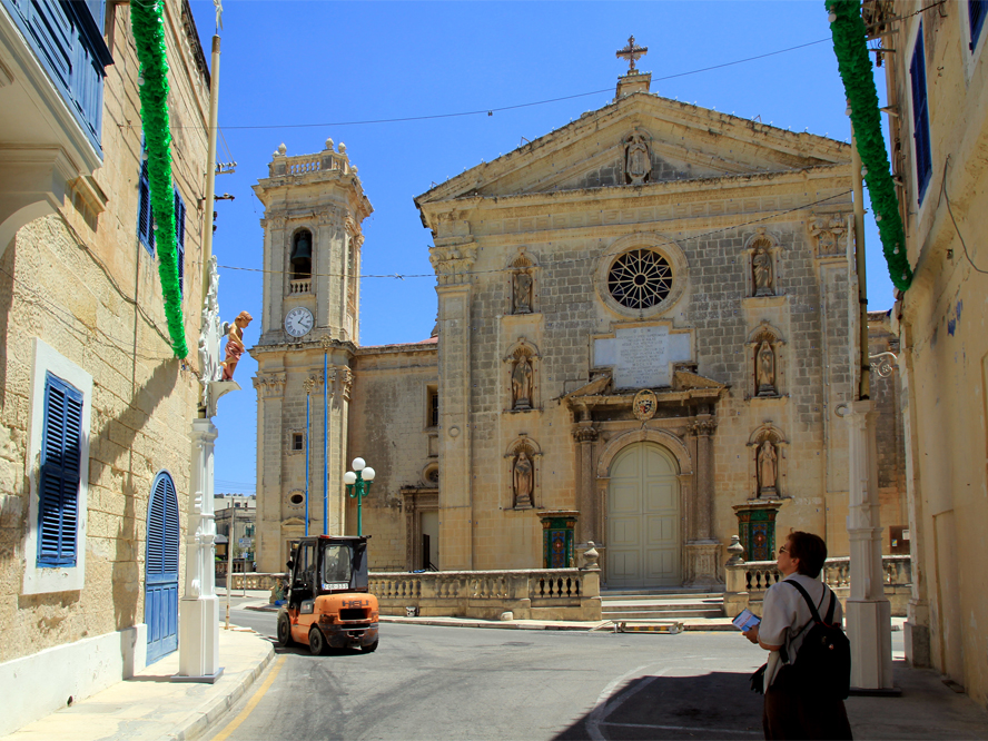 Mriehel - Attard Parish Church.jpg