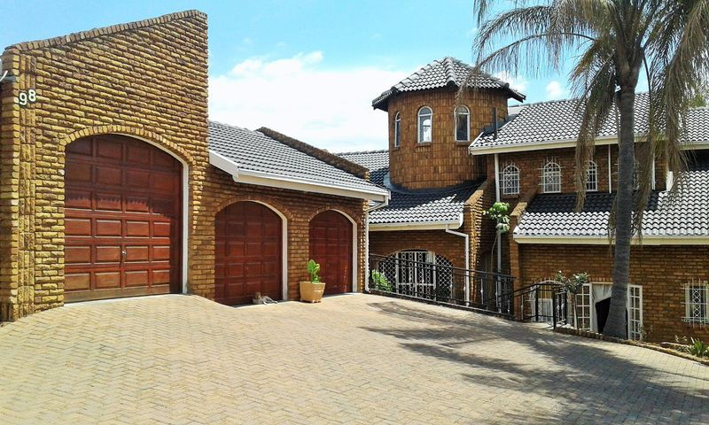 Real estate in Hartbeespoort Dam - ENV91917.jpg
