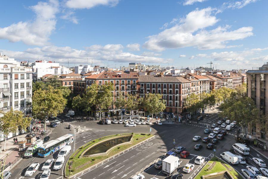 Alquilar o comprar un piso en madrid for Alquilar un piso