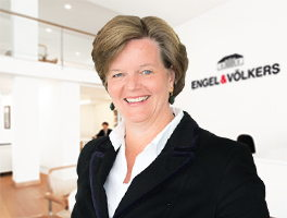 Bettina von Schultzendorff  Senior Property Real Estate Agent Engel & Völkers Munich South