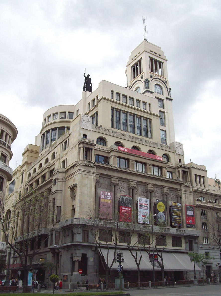 10 buildings with unique architecture in madrid
