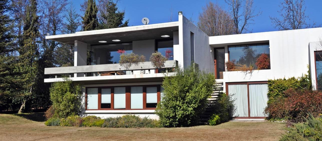 Machalí - Mediterranean style house located in Los Lirios area