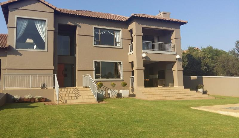 Real estate in Hartbeespoort Dam - 88577.jpg