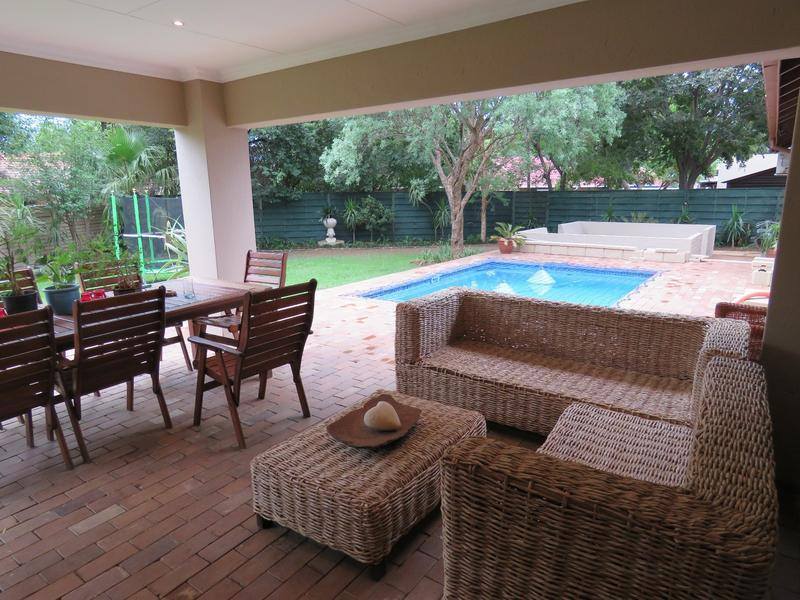 Real estate in Hartbeespoort Dam - 86823.jpg