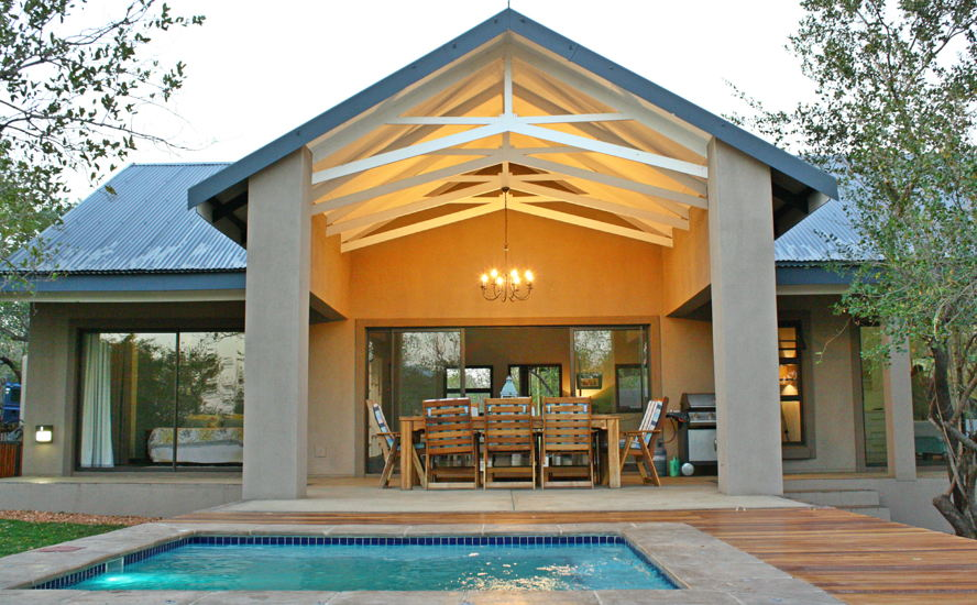 Hoedspruit - image of patio