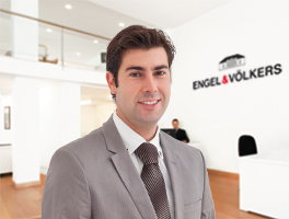 Real estate agent Adrian Peña