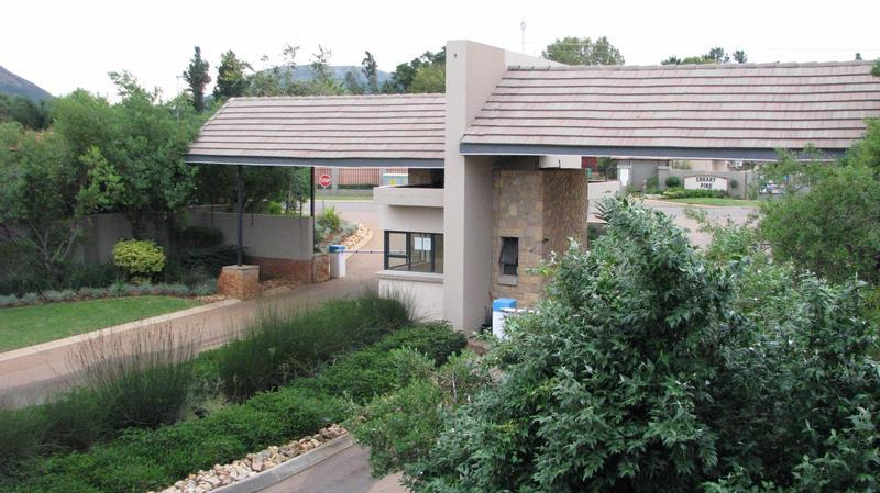 Real estate in Hartbeespoort Dam - ENV86463.jpg