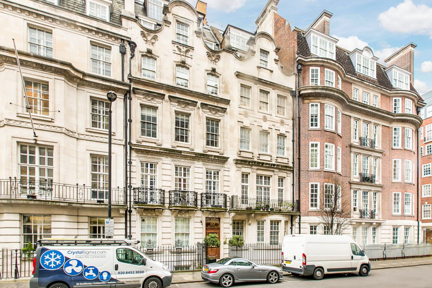 Real estate in London - Upper Brook Street 16 9-10 SMALL-13.jpg