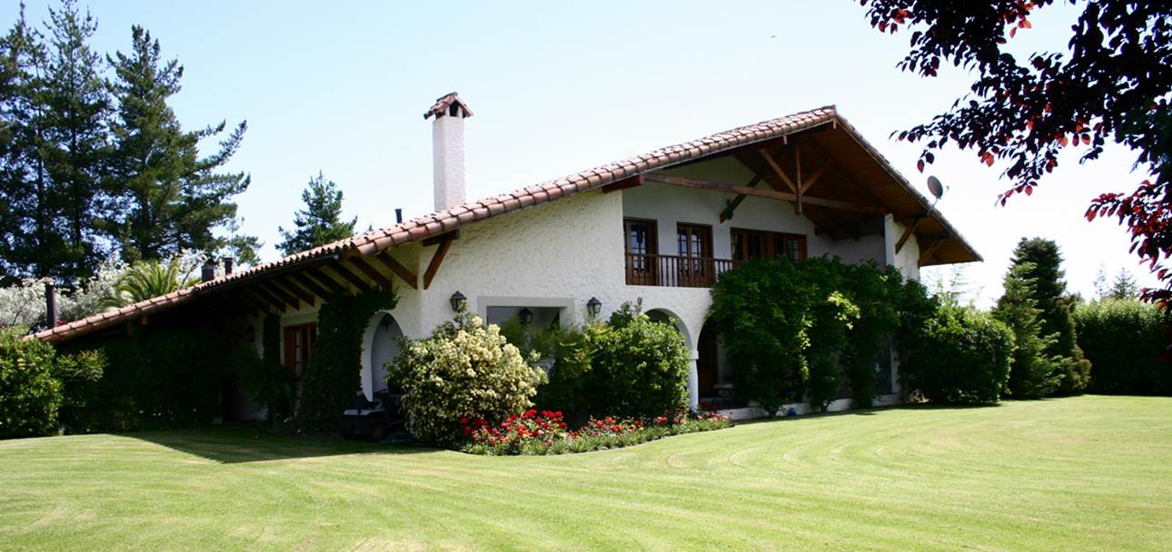 Machalí - Great basque style house located in a privileged area of Nogales