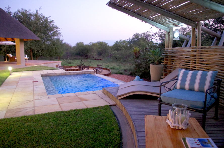 Hoedspruit - Raptors View property - image of pergola and pool