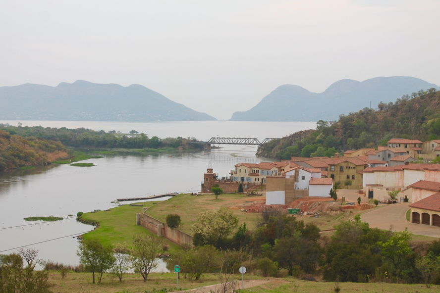Real estate in Hartbeespoort Dam - Estate D'Afrique 2.jpg