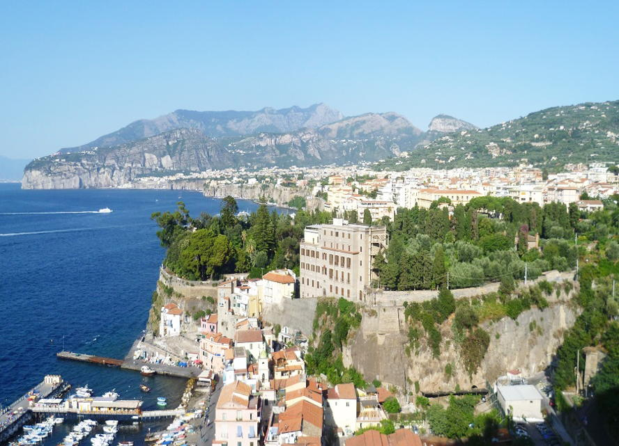 Milano - View_of_Sorrento.jpg