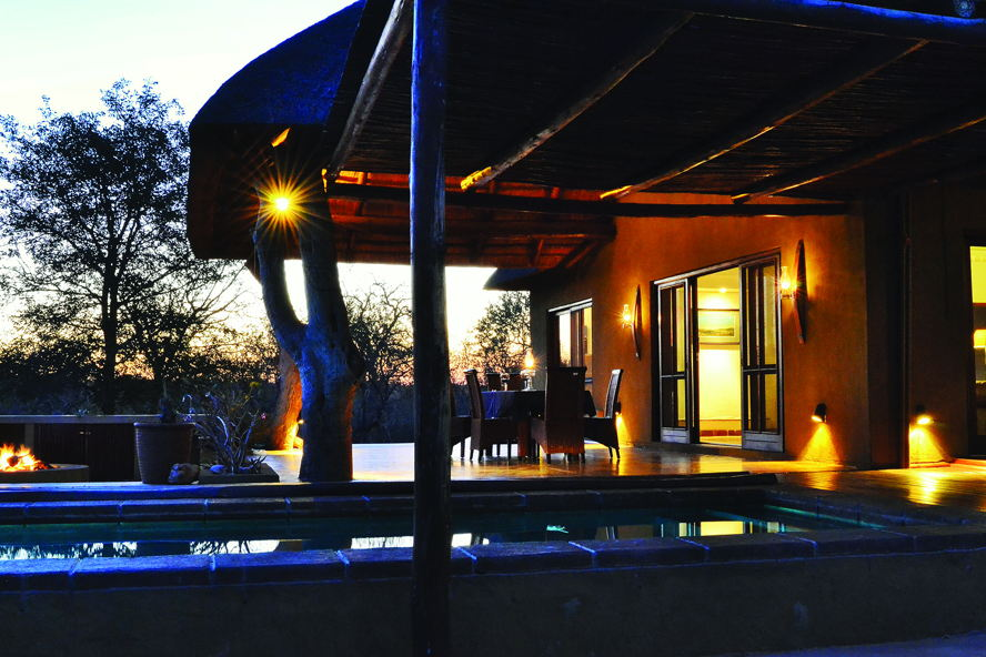 Real estate in Hoedspruit - Lodge in Raptor's view Hoedspruit