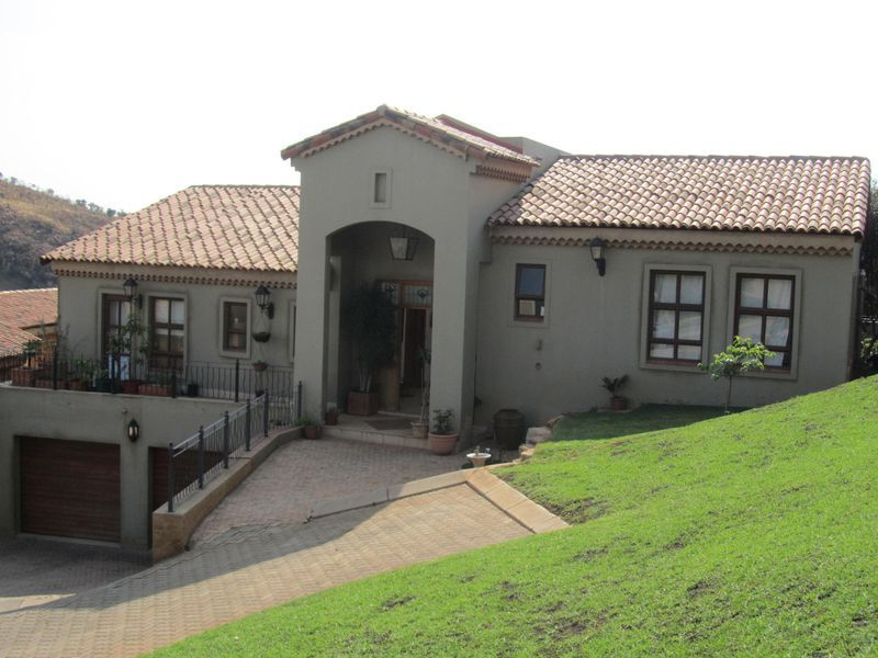Real estate in Hartbeespoort Dam - ENV91497.jpg