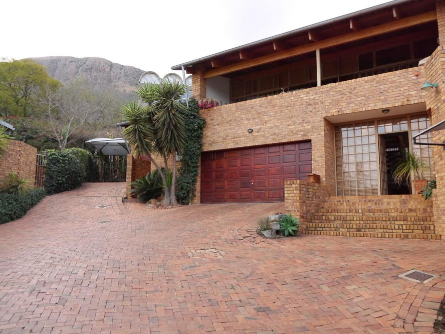 Real estate in Hartbeespoort Dam - 82346.jpg