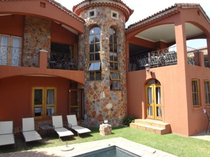 Real estate in Hartbeespoort Dam - 87139.jpg