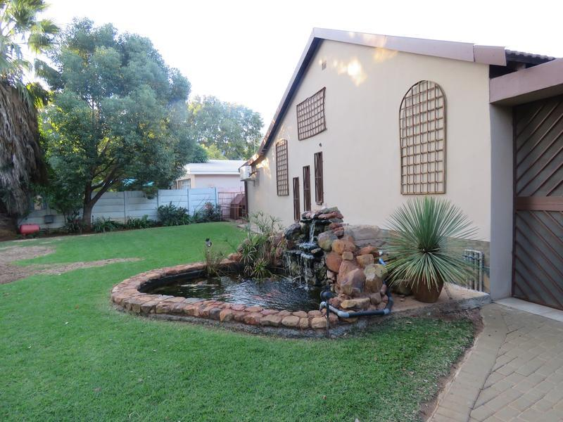 Real estate in Hartbeespoort Dam - 88326.jpg