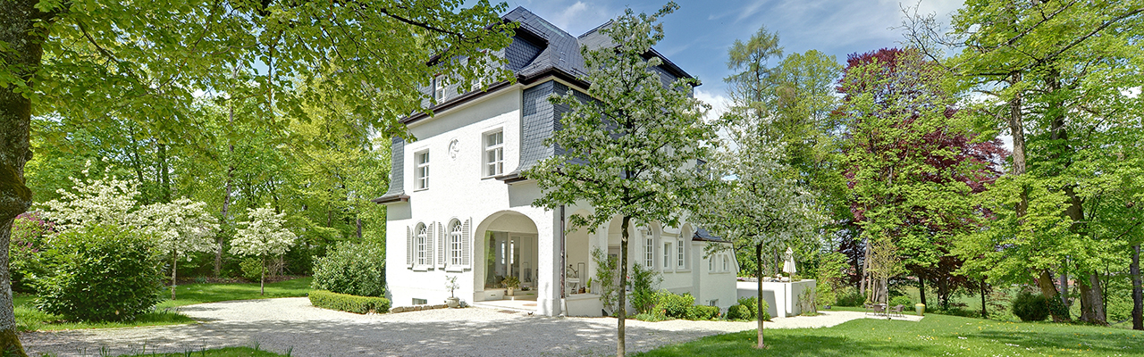 Real estate in Munich - Idyllic Villa in Grünwald - close to Munich