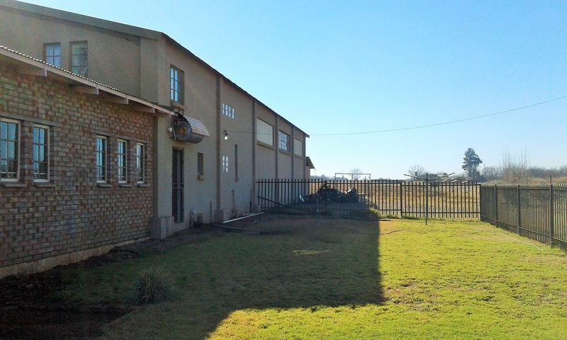 Real estate in Hartbeespoort Dam - 90187.jpg