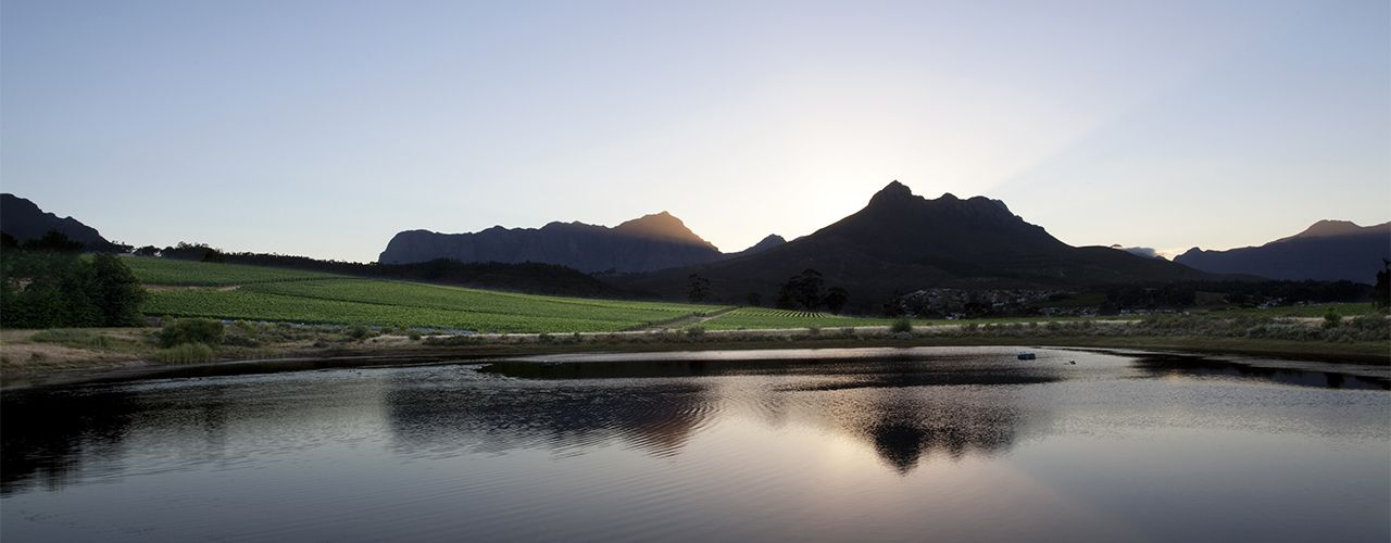 7599 - Stellenbosch Mountain Views