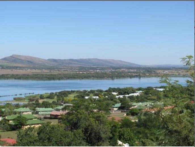 Real estate in Hartbeespoort Dam - 81628.jpg